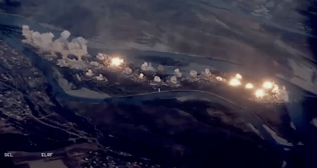 Video American F 15 F 35 Jets Carpet Bomb Isis Island